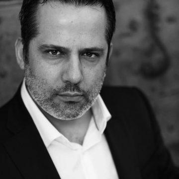 IL TROVATORE – Il baritono Marco Caria sostituisce Simone Alberghini nel ruolo de Il Conte di Luna